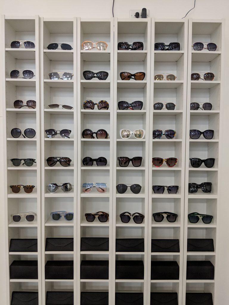 aa3256ad3 Óculos de sol barato em Nova York: conheça a marca Privé Revaux – Blog da  Laura Peruchi – Tudo sobre Nova York